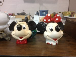 mickey and minnie mouse jars (1)
